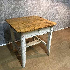 Kleine Tische